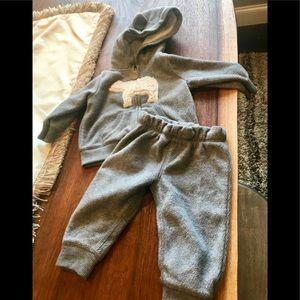 Carter's 2 piece fleece outfit